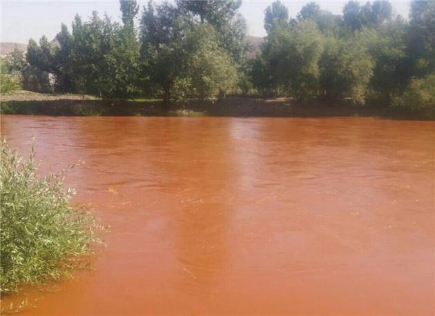 تغییر رنگ آب زاینده رود