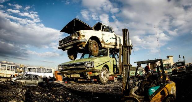 ضررهای وجود یک میلیون و 300 هزار خودروی فرسوده!