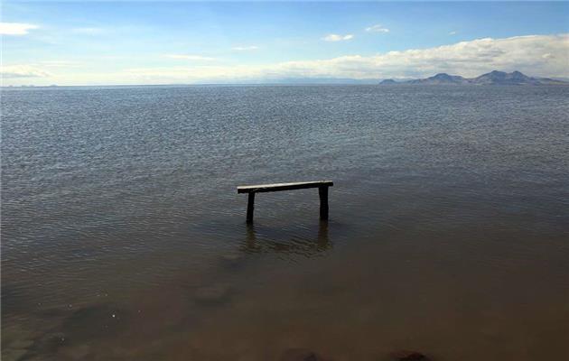 رهاسازی آب به سمت دریاچه ارومیه آغاز شد