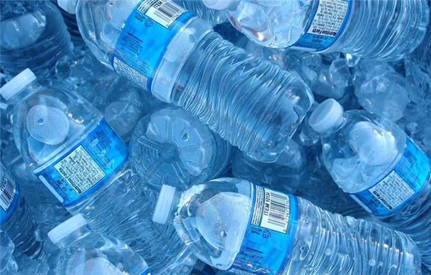 فروش بطریهای پلاستیکی در فرودگاه بینالمللی سانفرانسیسکو ممنوع شد