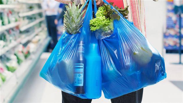 استفاده از کیسههای پلاستیکی در چین ممنوع میشود